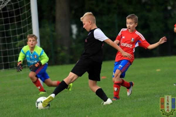 LKS Rudołtowice - MKS Iskra Pszczyna 4-10 (1-5)